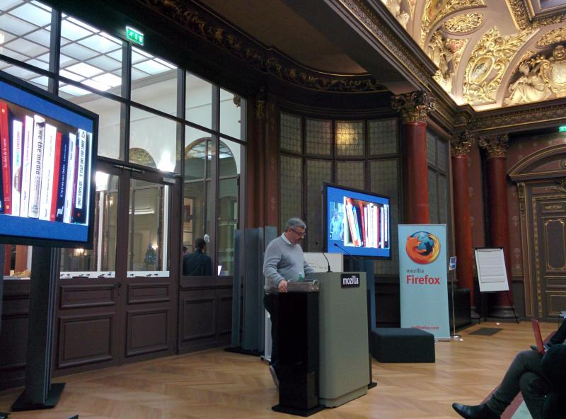 Getting things started: @nitot discusses a book about decentralization at @MozillaParis.