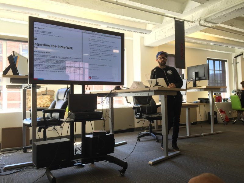 Shane @veganstraightedge talking through how he syndicated #indieweb posts to @Medium.