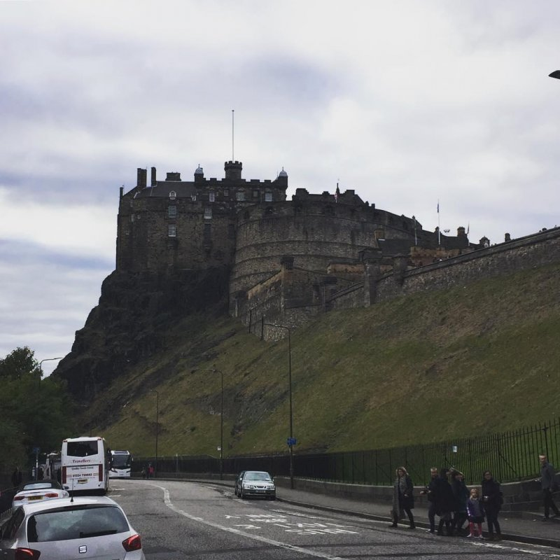 I lived in Edinburgh for a decade, and I've still never been inside the castle. Not changing that today.
