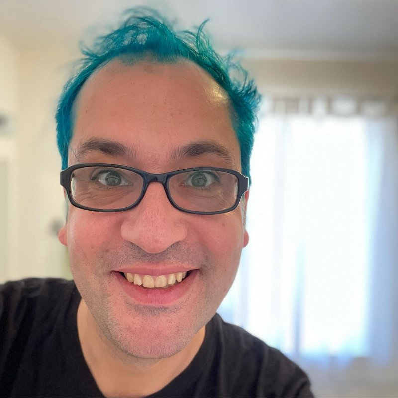 NGL, having bright blue hair is making me really happy every time I see it.